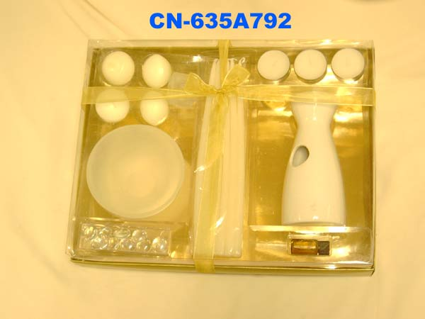 CN-635A792 OIL BURNER/CANDLES/INCENSE GIFT SET- £ 4.75
