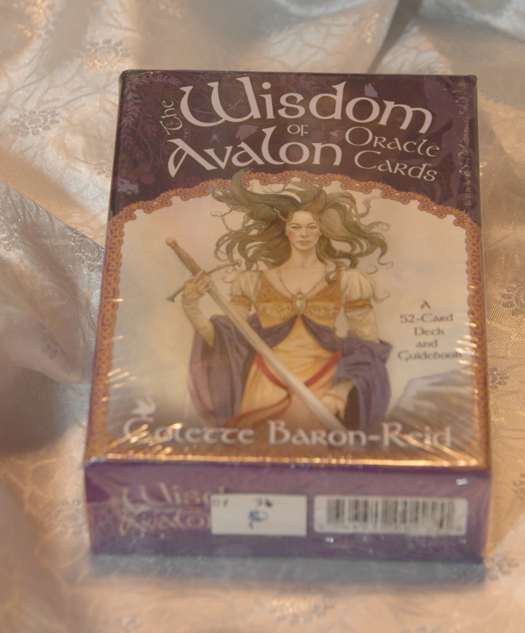 DV54 WISDOM OF THE REALMS ORACLE CARDS- £7.25