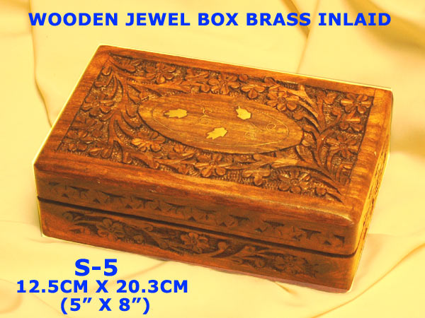 "S-585 A1- WOODEN JEWEL BOX (5"" X 8"")£6.20"